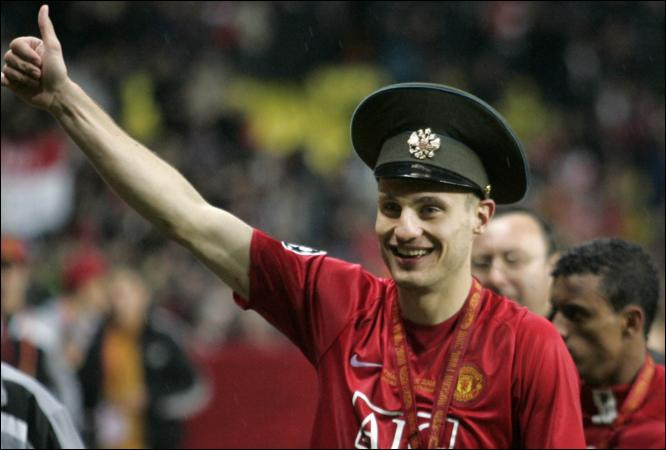 Vidic in Moscow with Army Hat